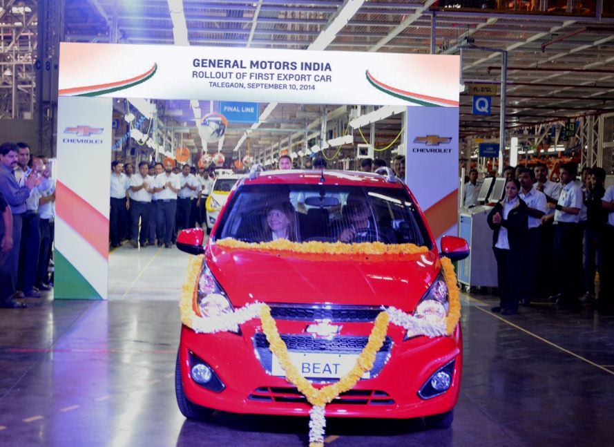 GM CEO Mary Barra and GM India President & Managing Director Arvind Saxena roll out the first Chevrolet Beat for export from the GM Talegaon