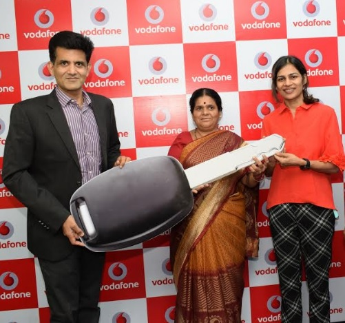 Vodafone Customer from Pune Wins Bumper Prize