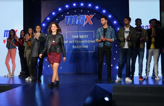 Yami Gautam walked the ramp in Max Winter'18 Collection