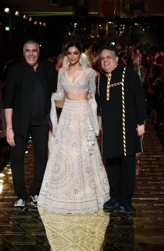 Abu Jani, Deepika Padukone & Sandeep Khosla at Abu Jani Sandeep Khosla's 33 years celebration at Signature Island by Sunteck Realty
