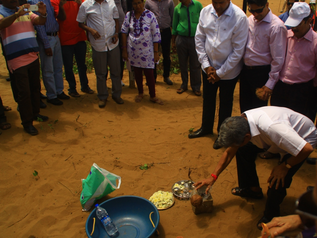 Chief Minister of Goa, Mr. Manohar Parrikar breaks a coconut signifying the launch of Goa Tourism's 'Clean Goa Beautiful Goa' campaign